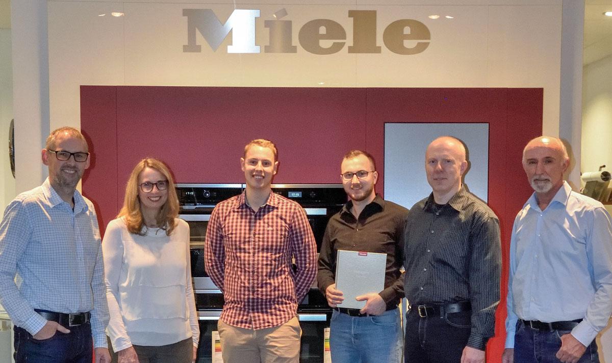 Das Team von Elektro Wollersheim in Kaiserslautern